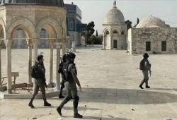 """""""حماس"""": ما يجري في المسجد الأقصى مجزرة حقيقية وجرائم حرب"""
