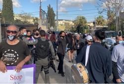 قوات الاحتلال تقمع أهالي الشيخ جراح وتعتقل عددا منهم