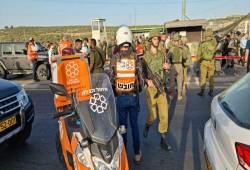 قوات الاحتلال الصهيوني تعدم شاباً فلسطينيا وتصيب آخر على حاجز زعترة