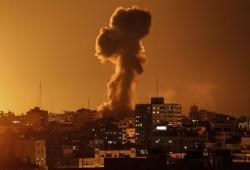 العدو الصهيوني يواصل الغارات على غزة.. والمقاومة ترد بقصف عسقلان وأسدود