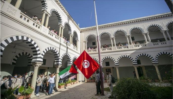 تونس.. التلاميذ يتضامنون مع فلسطين ضد العدوان الصهيوني