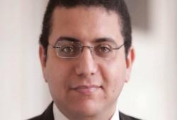 وفاة والدة الباحث المعتقل إسماعيل الإسكندراني بعد منعه من زيارتها