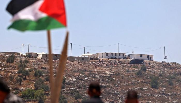 مئات المستوطنين الصهاينة يقتحمون جبل صبيح