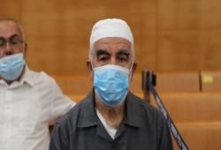 الشيخ رائد صلاح معزول في ظروف قاسية بسجون الاحتلال