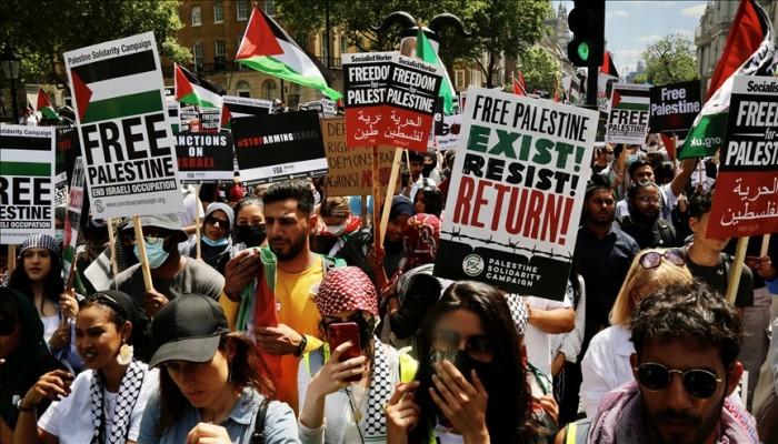 بريطانيا.. مظاهرة تطالب قادة مجموعة السبع بوقف دعم الاحتلال الصهيوني