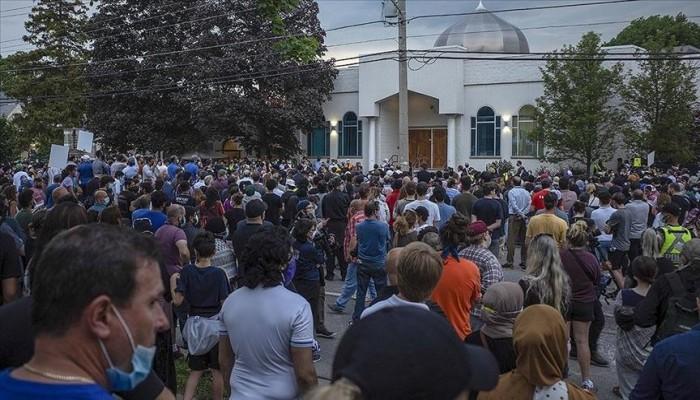 كندا.. الآلاف يشاركون في تشييع جنازة عائلة مسلمة قتلها إرهابي مسيحي