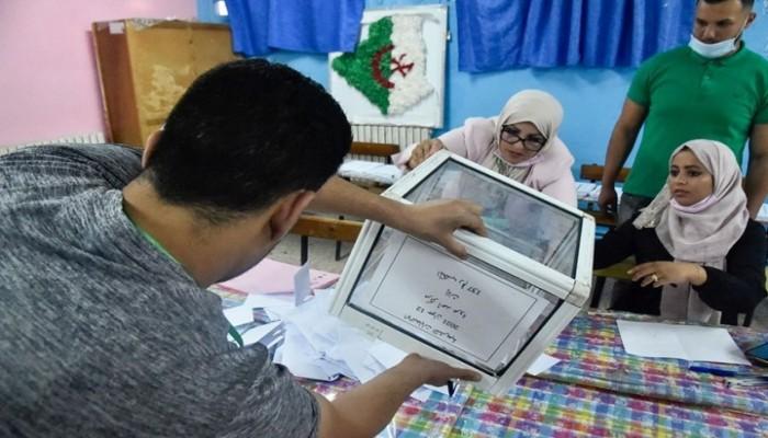 """الجزائر.. """"حمس"""" تحذر من محاولات لسرقة فوزها بانتخابات البرلمان"""