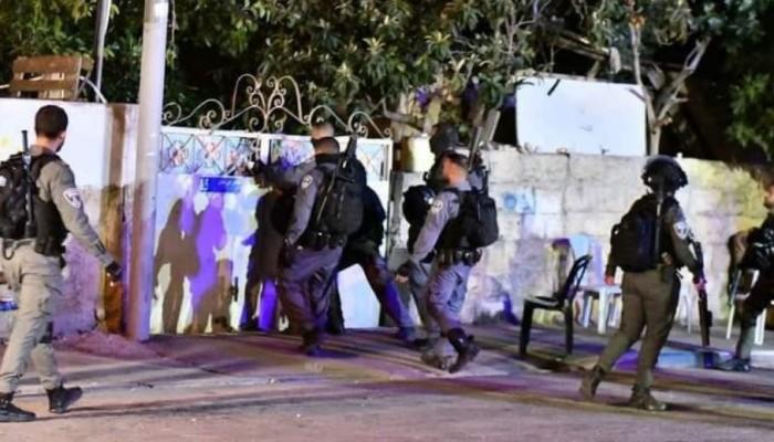 الاحتلال الصهيوني يستبيح مجددا بيوت الأهالي في حي الشيخ جراح