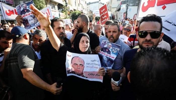 اغتيال نزار بنات.. وقفات احتجاجية مستمرة ومطالبات بمحاسبة القتلة