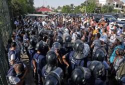 إيكونوميست: سعيّد أضاف أزمة دستورية إلى الاقتصادية والصحية في تونس