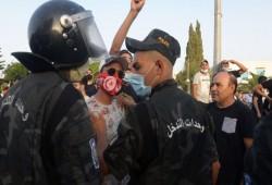 فايننشال تايمز: تونس رائدة الديمقراطية في العالم العربي وعودة الاستبداد ليست حلا