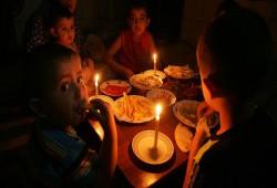 80% من سكان غزة يقضون معظم حياتهم في الظلام