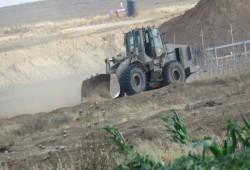 قوات الاحتلال تتوغل من محورين في قطاع غزة وتشرع بأعمال تجريف
