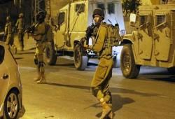 الاحتلال يعتقل عدة شبان من الضفة والقدس